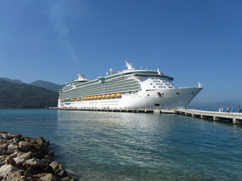 Experience Cruises For The Bahamas At Its Best